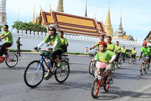 Праздник без шума моторов в Бангкоке